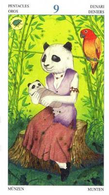 色彩丰富与可爱的动物是这副塔罗牌最大的卖点之一